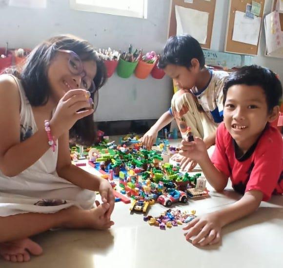Sekolah di Rumah Karena Pandemi Covid-19